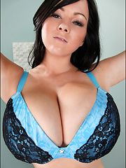 Hiya everyone! I love these kinds of shot because I always like to leave something to the imagination and this satin blue bra was absolutely perfect f