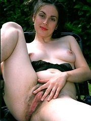 big hairy girls hairypussyfetish.com
